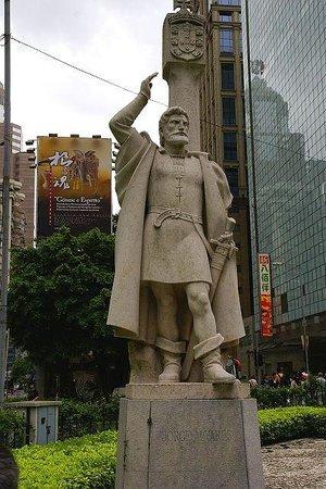 Jorge Alvares Monument