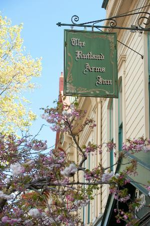 Rutland Arms: Restaurant frontage