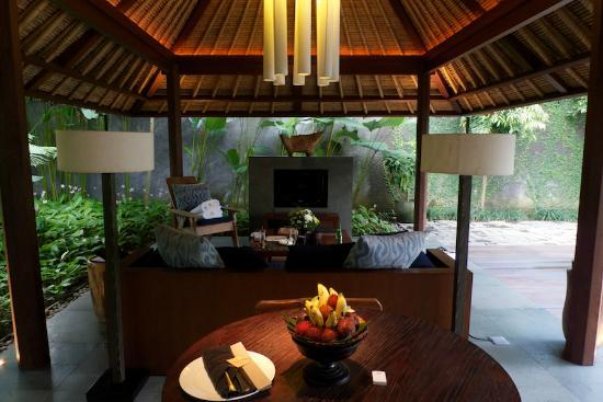 Kayumanis Ubud Private Villa & Spa: Living room (villa BILE)
