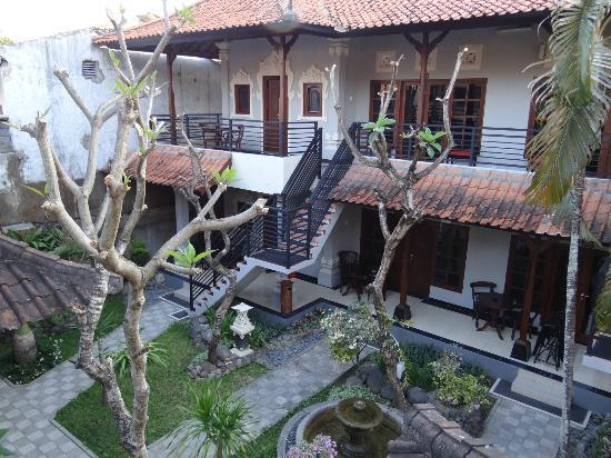 Puri Sading Hotel: garden view
