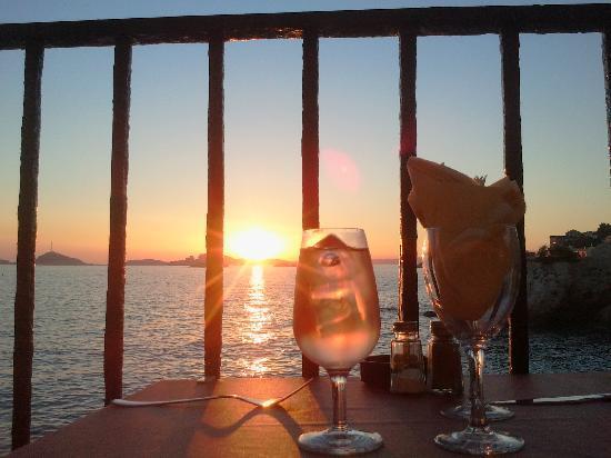 Dauphins Corniche : Apéro et couché de soleil d'été...