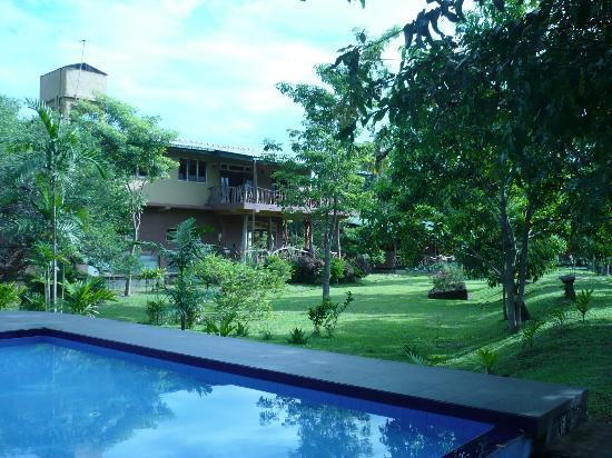 MPS Village: El hotel desde la piscina