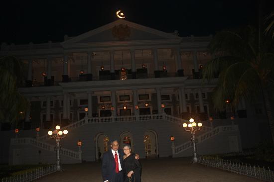 Taj Falaknuma Palace: Fairy-tale Palace at night