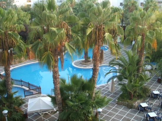 H10 Salou Princess: Relaxing Pool area