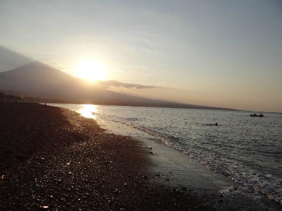 Kembali Beach Bungalows 사진