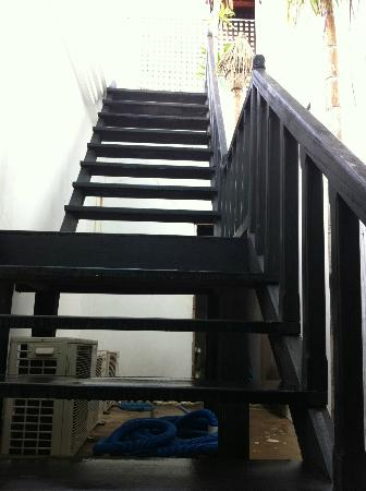 Petit Villa Boutique & Spa: Stairs leading up to the first floor