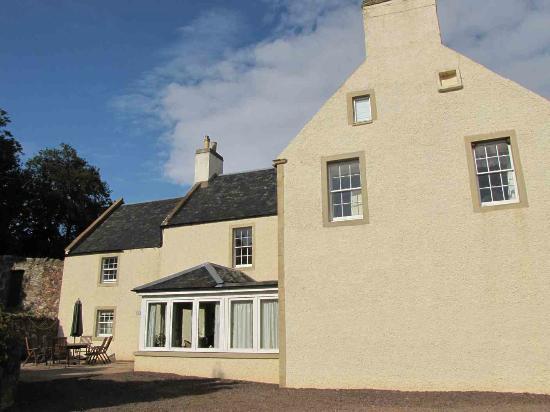 Overhailes Farm Bed & Breakfast: House