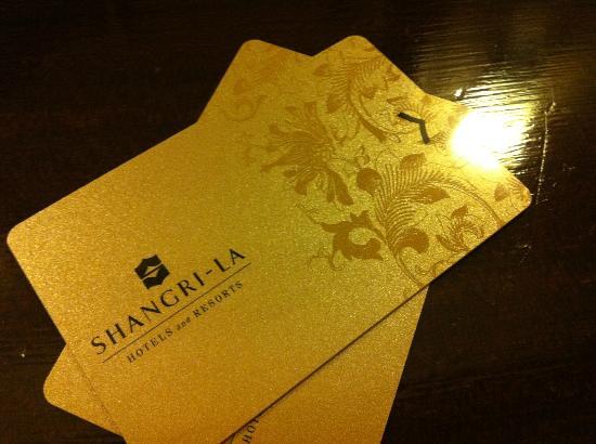Edsa Shangri-La: kay card