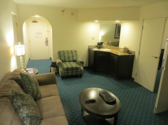 Harrah's Laughlin: Suite sitting area