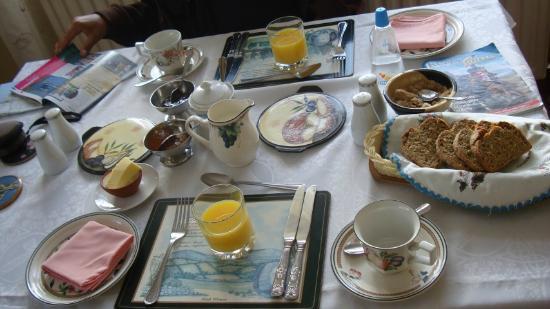River Valley Farmhouse: le petit déjeuner