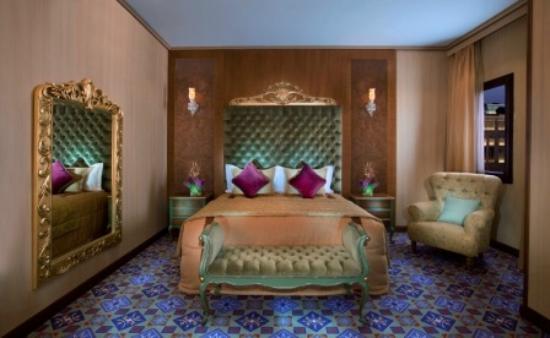 Souq Waqif Boutique Hotels: Coral room