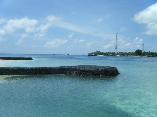 Kuramathi Island Resort : Beach