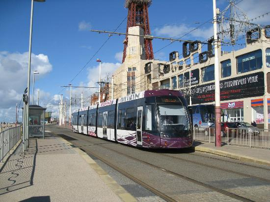 Blackpool Tramway: By Blackpool Tower.