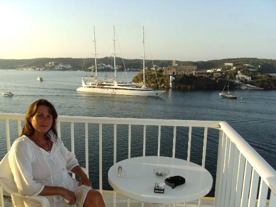 Hotel Agamenon: La vista es extraordinaria a la bahía de Mahón