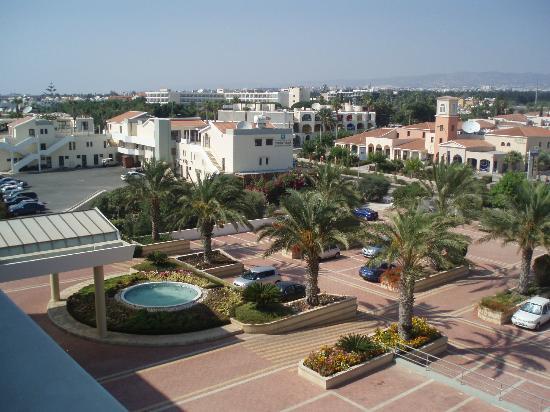 Constantinou Bros Athena Royal Beach Hotel: View from room 3312