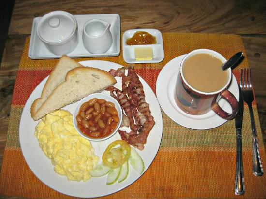 Boracay Beach Club: english breakfast
