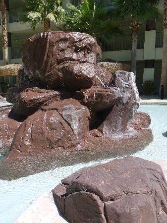 Tahiti Vacation Club : Poolside Water Feature