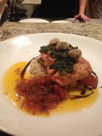 Restaurant Medure: amazing salmon dish