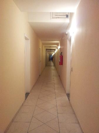 Hotel Guarda Mor: Corredor dos Quartos