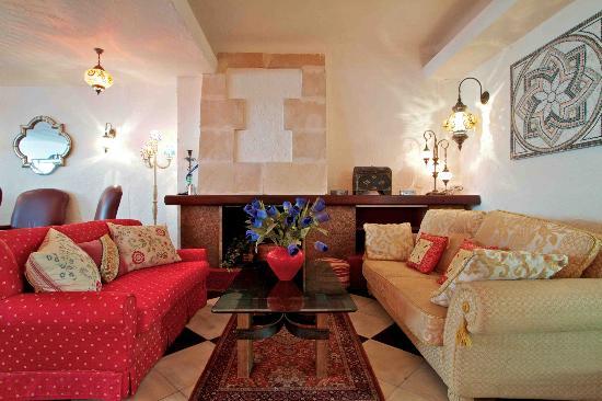 Hostal Paris: Lounge Area