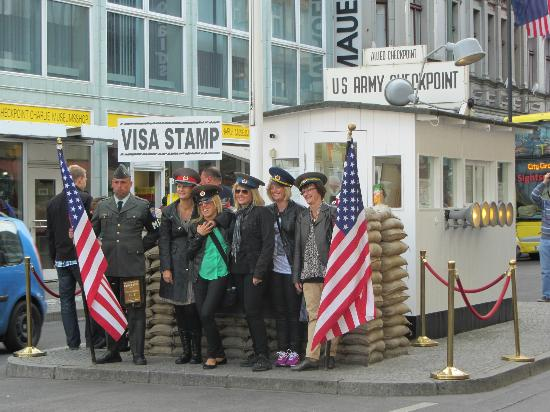 Brewer's Berlin Tours: Check Point Charlie...very touisty but GREAT place for coffee and sweets. Thanks Espin! 