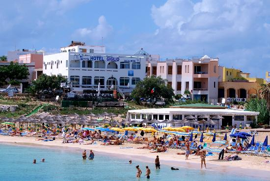 Hotel Giglio: hotel visto dalla spiaggia