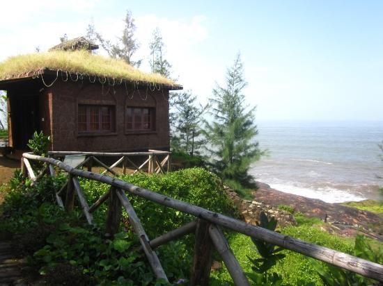 Honey Beach Cottages : Honey beach resort