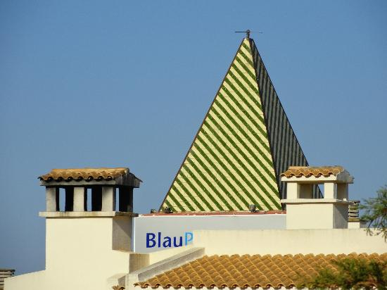 Blau Punta Reina Resort: The roof tops from our room