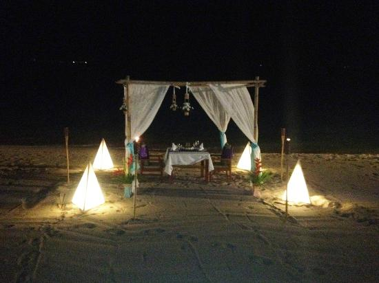 Samui Buri Beach Resort: You can book a private dinner on the beach