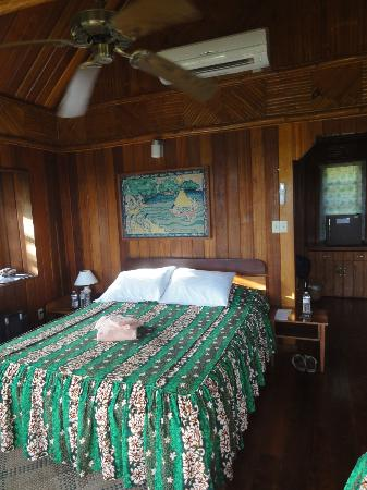 ‪‪Aliiibamou Resorts Carolines‬: bed room (6)