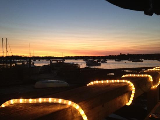 Boothbay Lobster Wharf : Great view with our great dinner