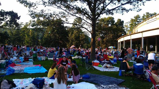 Tanglewood: Picnic concert venue for TRAIN concert - FABULOUS!