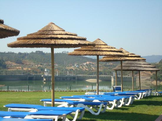 Montebelo Aguieira Lake Resort & Spa: Sunbeds