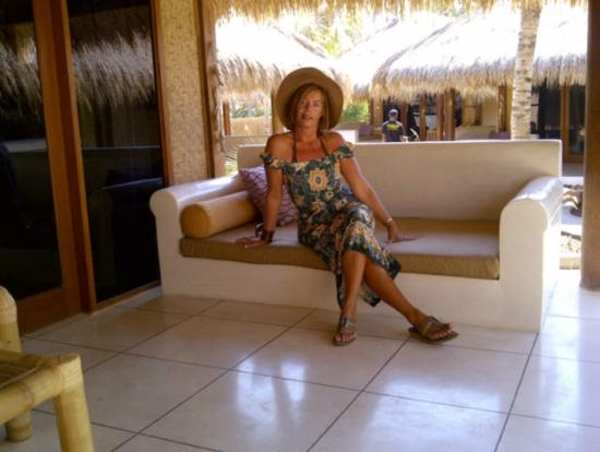 The Beach Club Hotel Gili Air: relaxing on the veranda