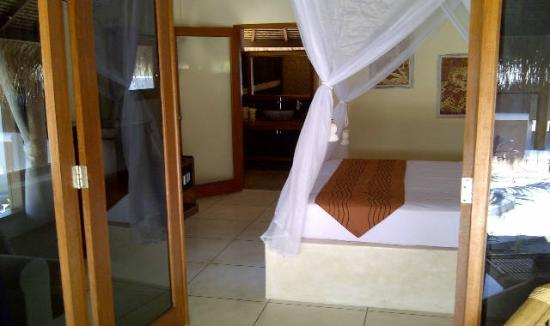 The Beach Club Hotel Gili Air: bedroom
