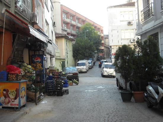 Istanbul Amedros Home: street view - apartment entrance on right of picture