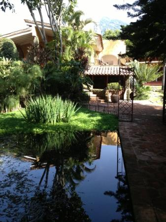 La Isla Tepoztlan: pond