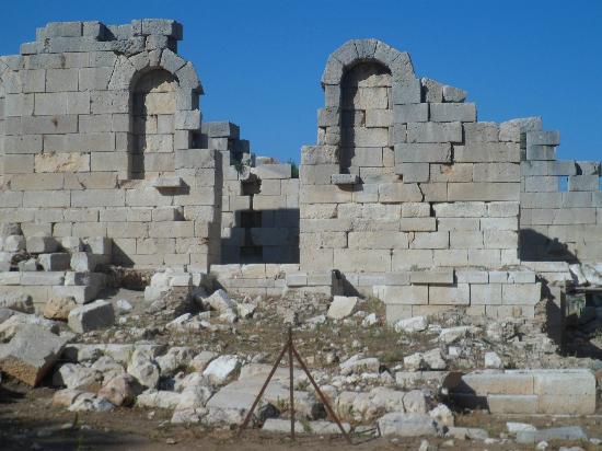 Patara Beach: ruins