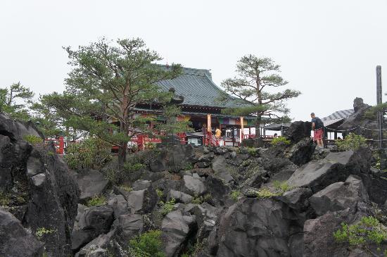 Tsumagoi-mura, Japon : 敷地内にあるお寺