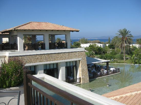 Grecotel Kos Imperial Hotel: A-la-carte restaurant overlooking the bay.