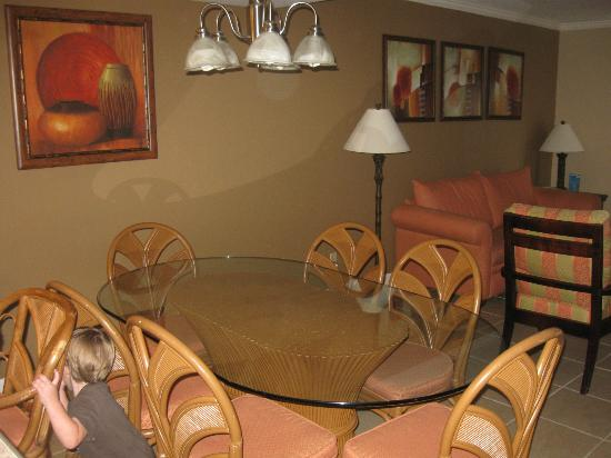 Legacy Vacation Resorts: Dining room