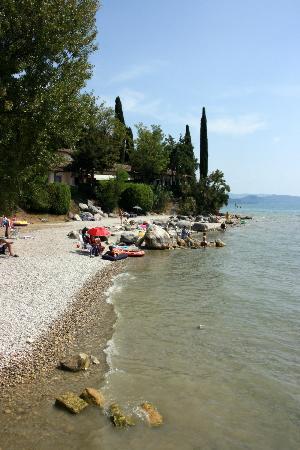 Camping Fornella : Lake beach