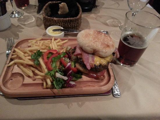 The Clockhouse Restaurant : cheese, bacon and beef burger