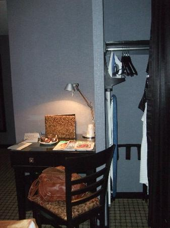 Night Times Square: Desk and closet