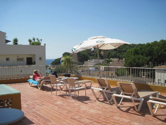 Hotel Diamante: Sonnenterrasse mit Meerblick