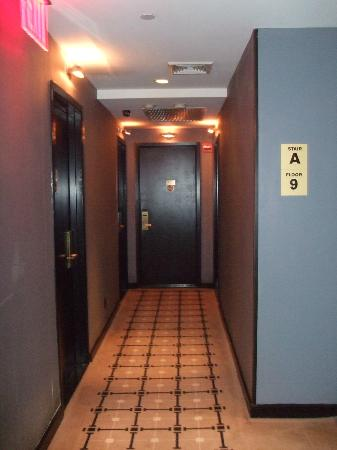 Night Times Square: Corridor leading to room