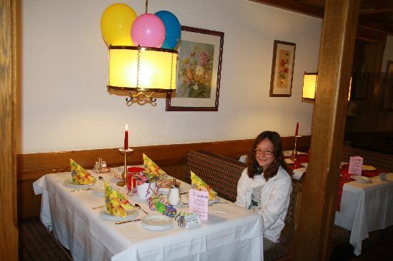 Solda, Italia: Tavolo apparecchiato a festa per il compleanno di Laura