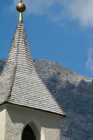 Hotel Zebru: Il Rifugio Julius Payer (m. 3029) dal Paese di Solda (m. 1875)