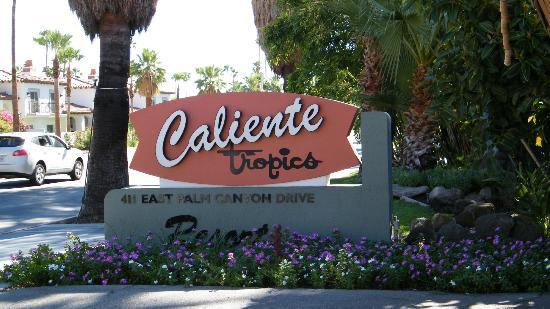 Caliente Tropics Resort: signage