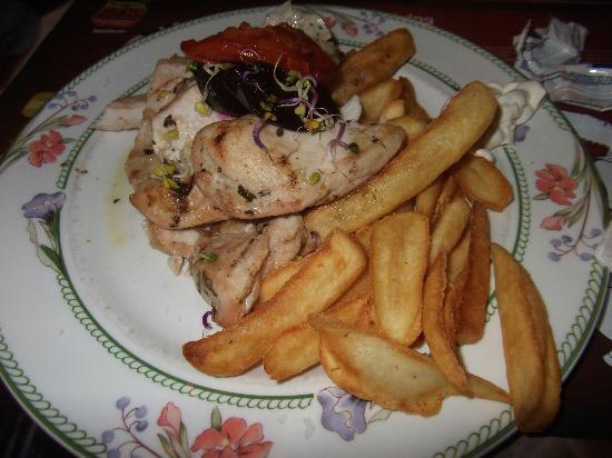 Steak House El Rincon: Kip met friet